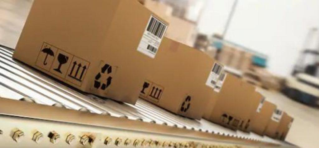 ¿Cuáles son los objetivos específicos de la logística de distribución?