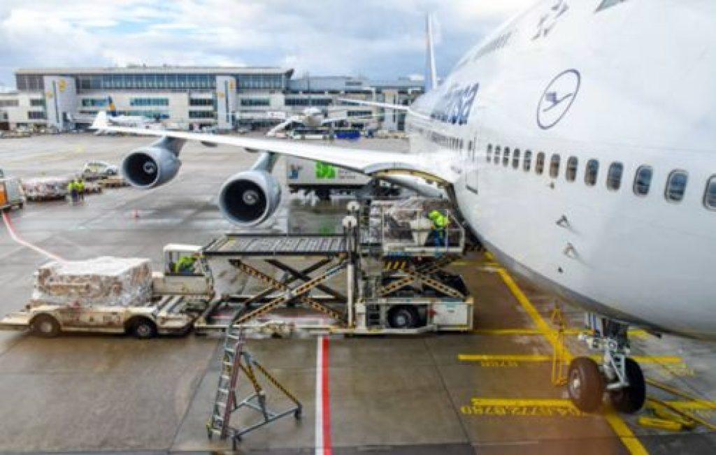 Aviones con puerta lateral