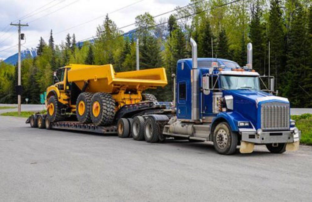 Transporte en camión de carga